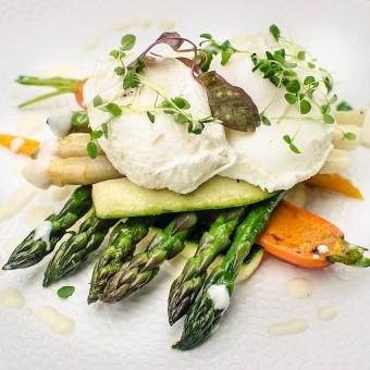 dania-ze-szparagow-restauracja-zielona